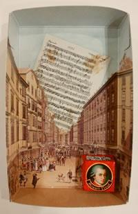 モーツアルトチロルチョコ箱の写真