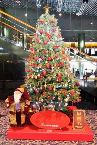 シンフォニーホールのクリスマスツリー